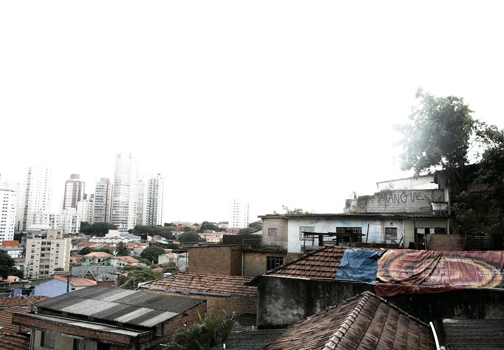 Vista panorâmica da favela do Mangue, que resiste desde os anos 60 entre as ruas Fradique Coutinho, Fidalga e Rodésia
