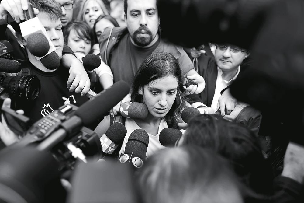 Mayara Vivian assediada pwla imprensa