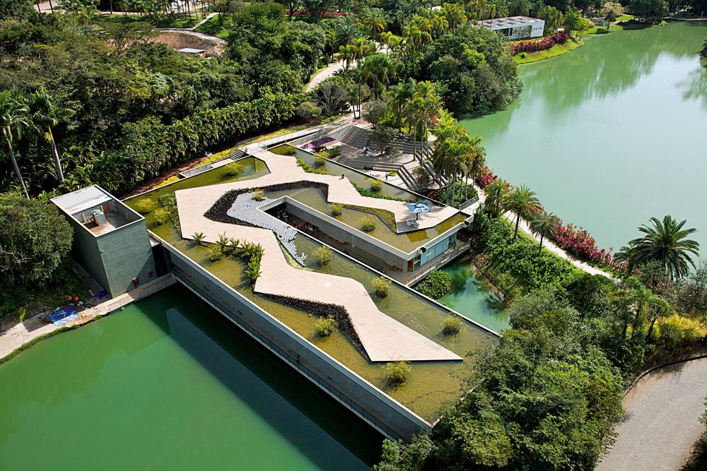 Vista aérea de um dos pavilhões do Inhotim
