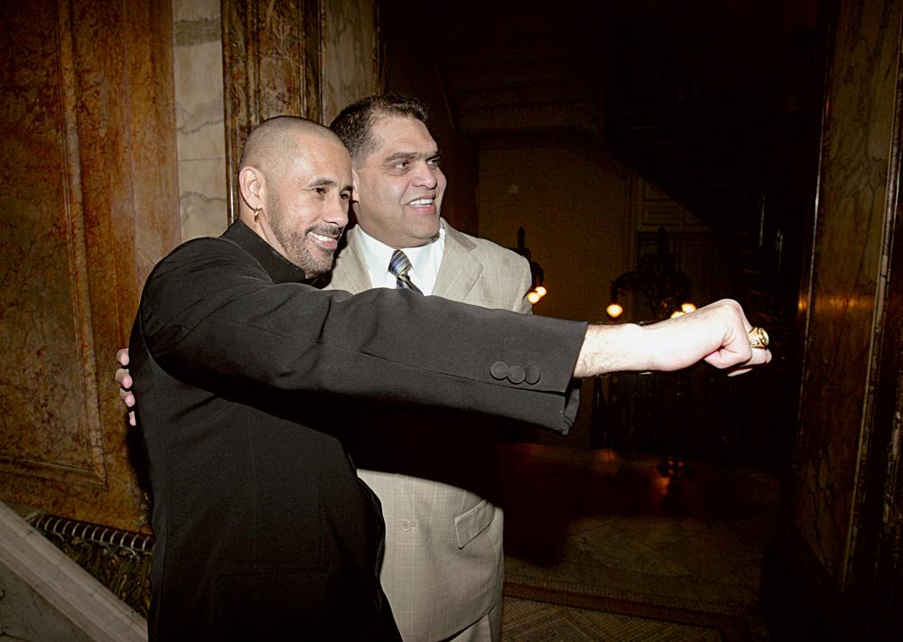 Ao lado do pastor Marcos Pereira, em 2008
