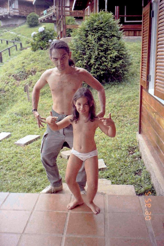 Em Monte Verde com Manoela, em 1990