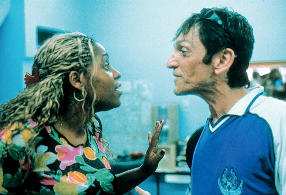 Em O invasor (2001)