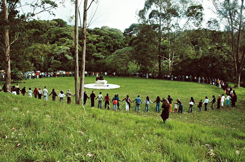 Cerimônia budista em seu sítio