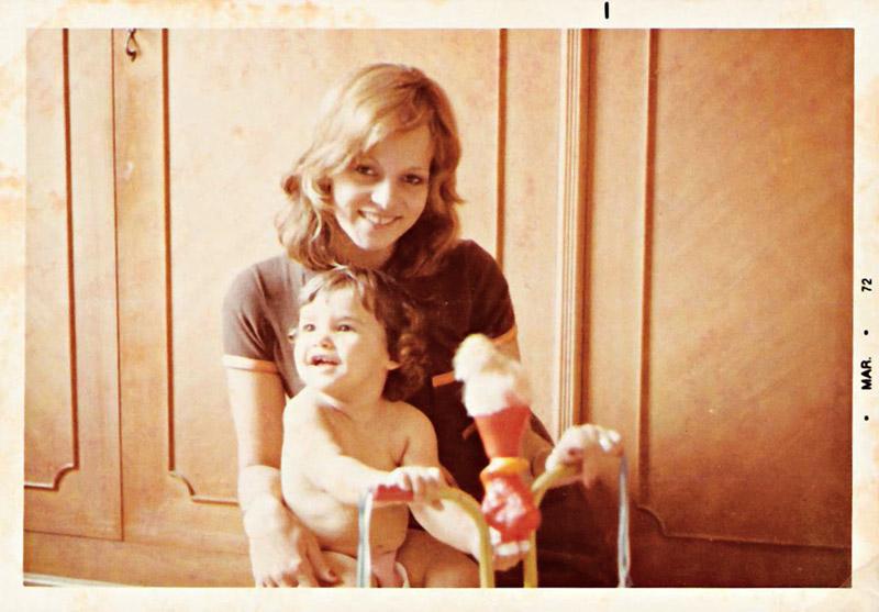 Glória com Dany ainda bebê