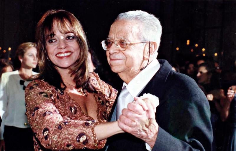 Dançando com o pai no casamento de Rodrigo
