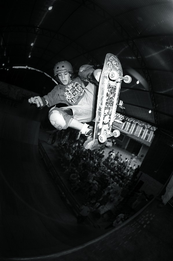 O moleque Bob Burnquist, anos 80, na Ultra