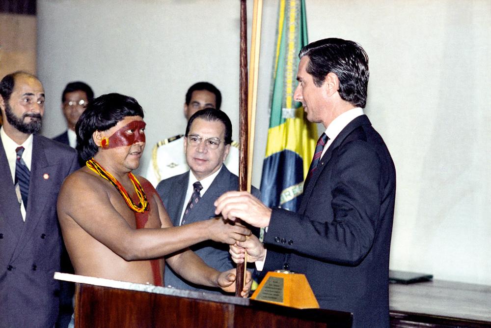 com Collor na demarcação do território Yanomami