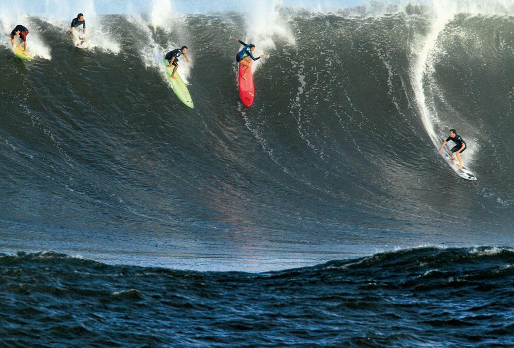 """Maya Gabeira e sua prancha rosa entre os homens nas ondas de Oahu, Havaí: """"Machista é a sociedade"""""""
