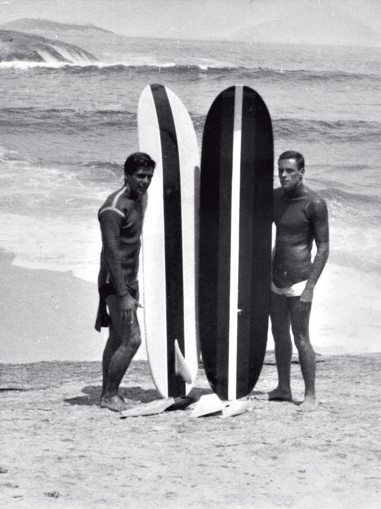 Irencyr Beltrão e o amigo Ronaldo na praia