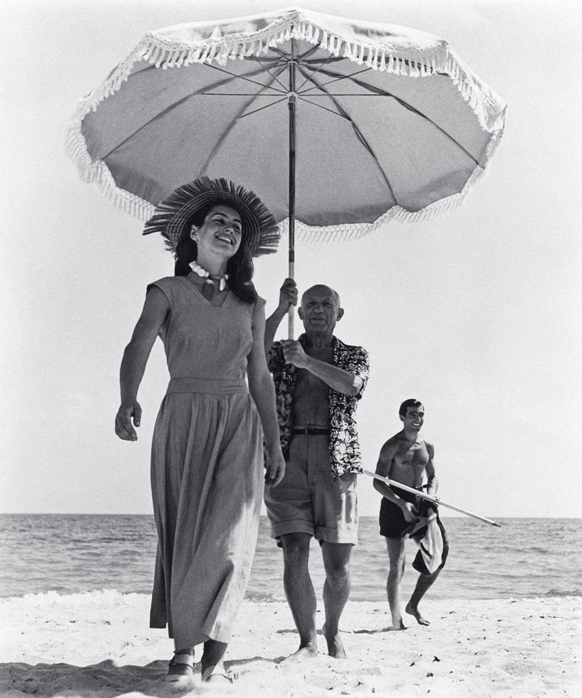 Pablo Picasso e sua musa Françoise Gilot em Côte D'Azur, em foto clássica de Robert Capa: é o litoral mexendo com nossas estruturas