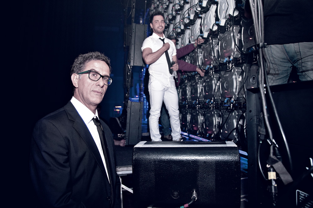 Nosso repórter faz carão nos bastidores, antes de Zezé voltar ao palco
