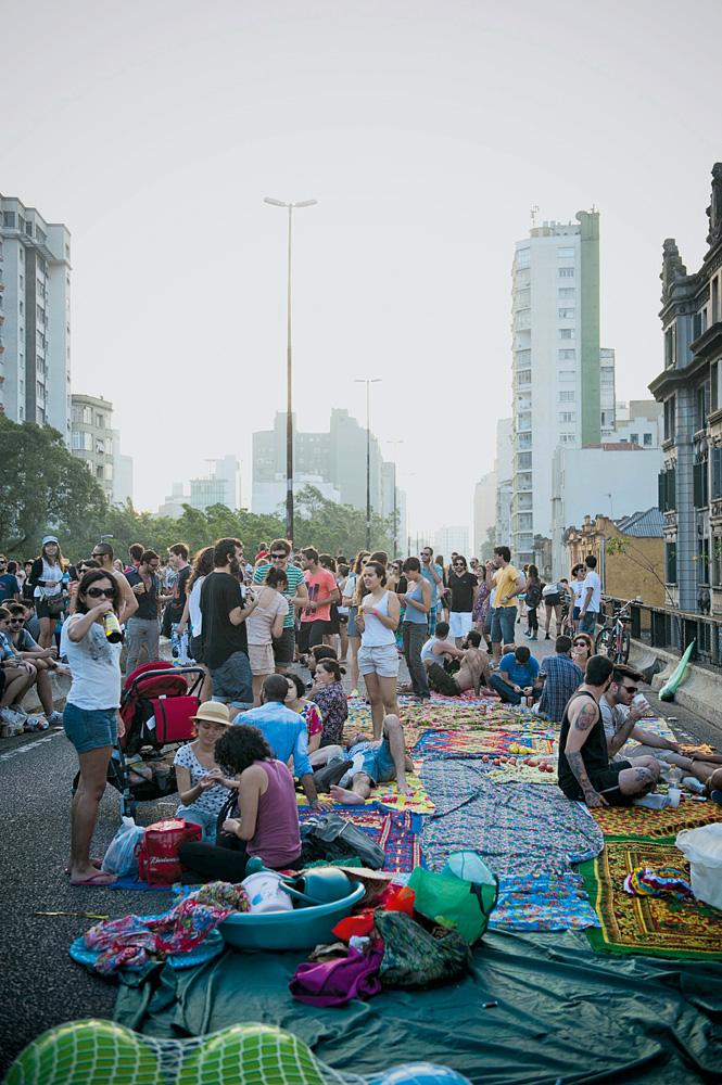 """Minhocão durante o Festival Baixo Centro: """"A solução é a vida comunitária."""""""