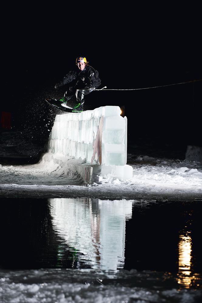 Possibilidades ilimitadas com um guincho a motor na bagagem: cada superfície de água vira um ponto de surf