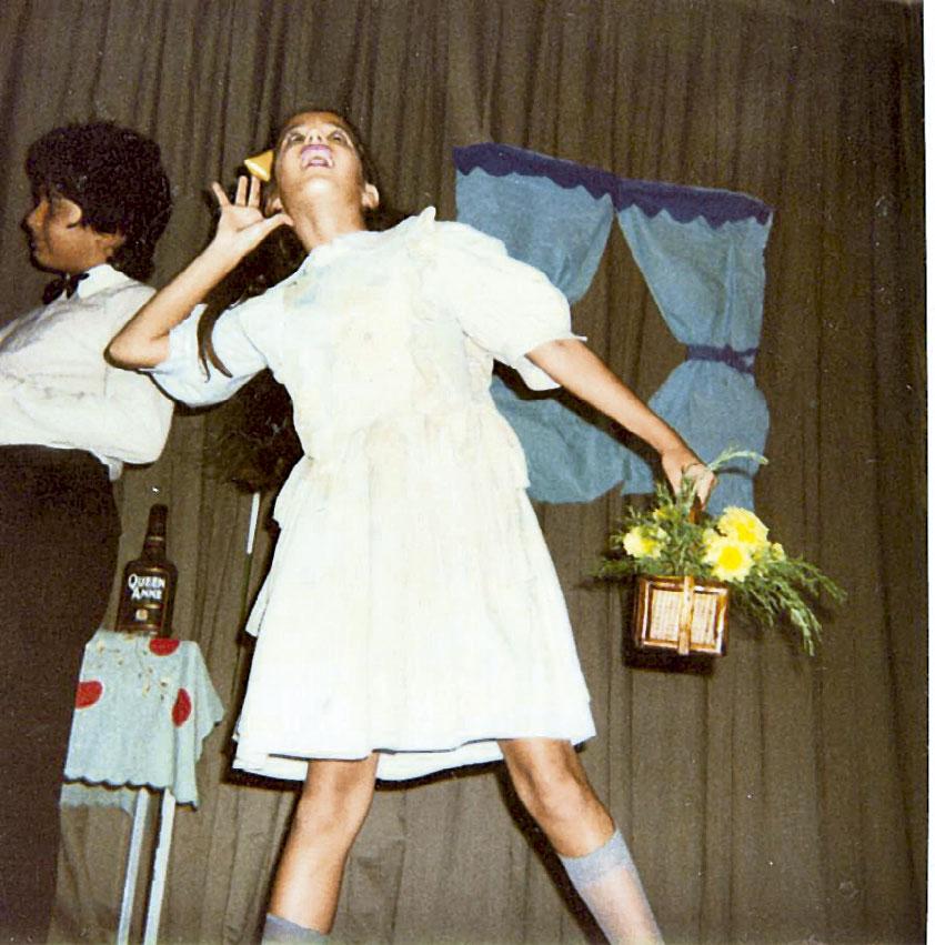 Na primeira peça em que atuou, ainda no colégio