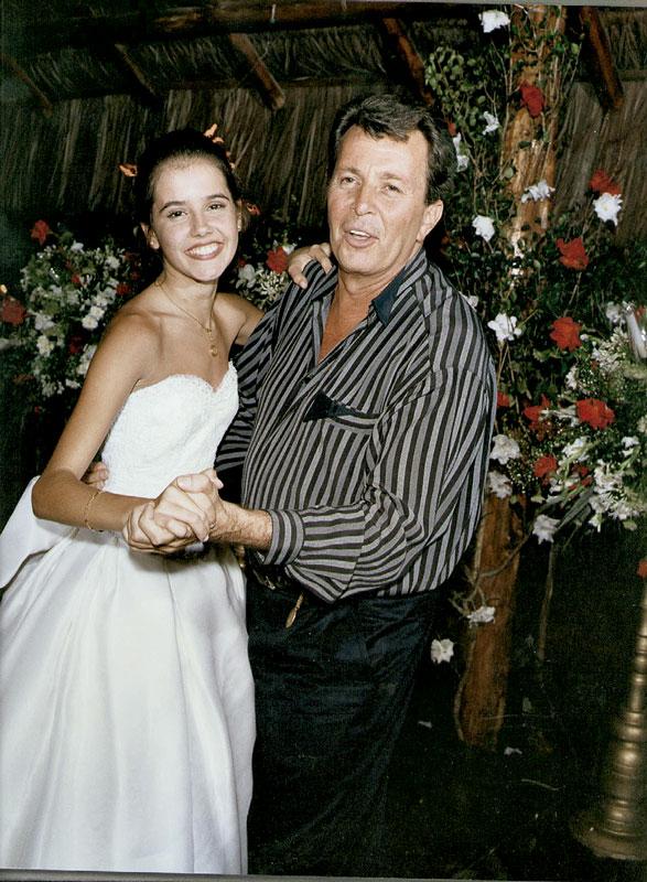 Aos 15 anos, no seu baile de debutante, fazendo par com Daniel Filho