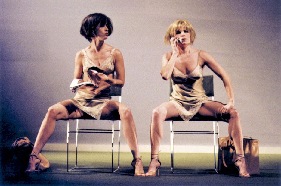Com Débora Bloch em Duas Mulheres e um Cadáver (2001)