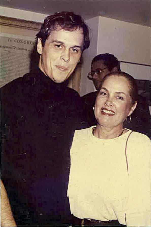 Com a mãe, Yolanda