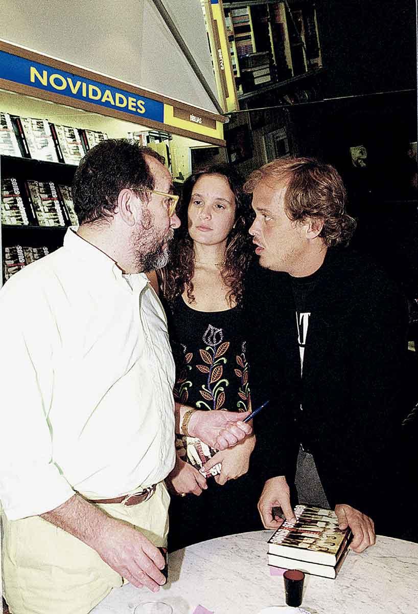 com a ex- mulher Patrícia e Fernando Morais, em 2000