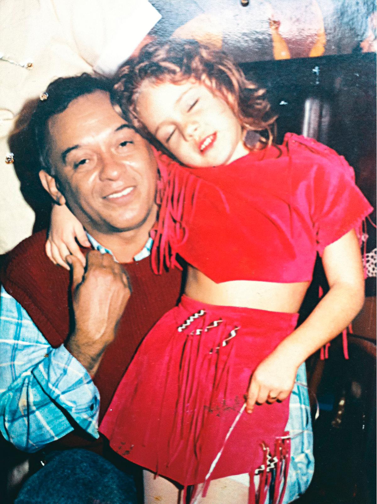 Leandra e o pai, Julio Braz, que morreu quando ela tinha 12 anos.