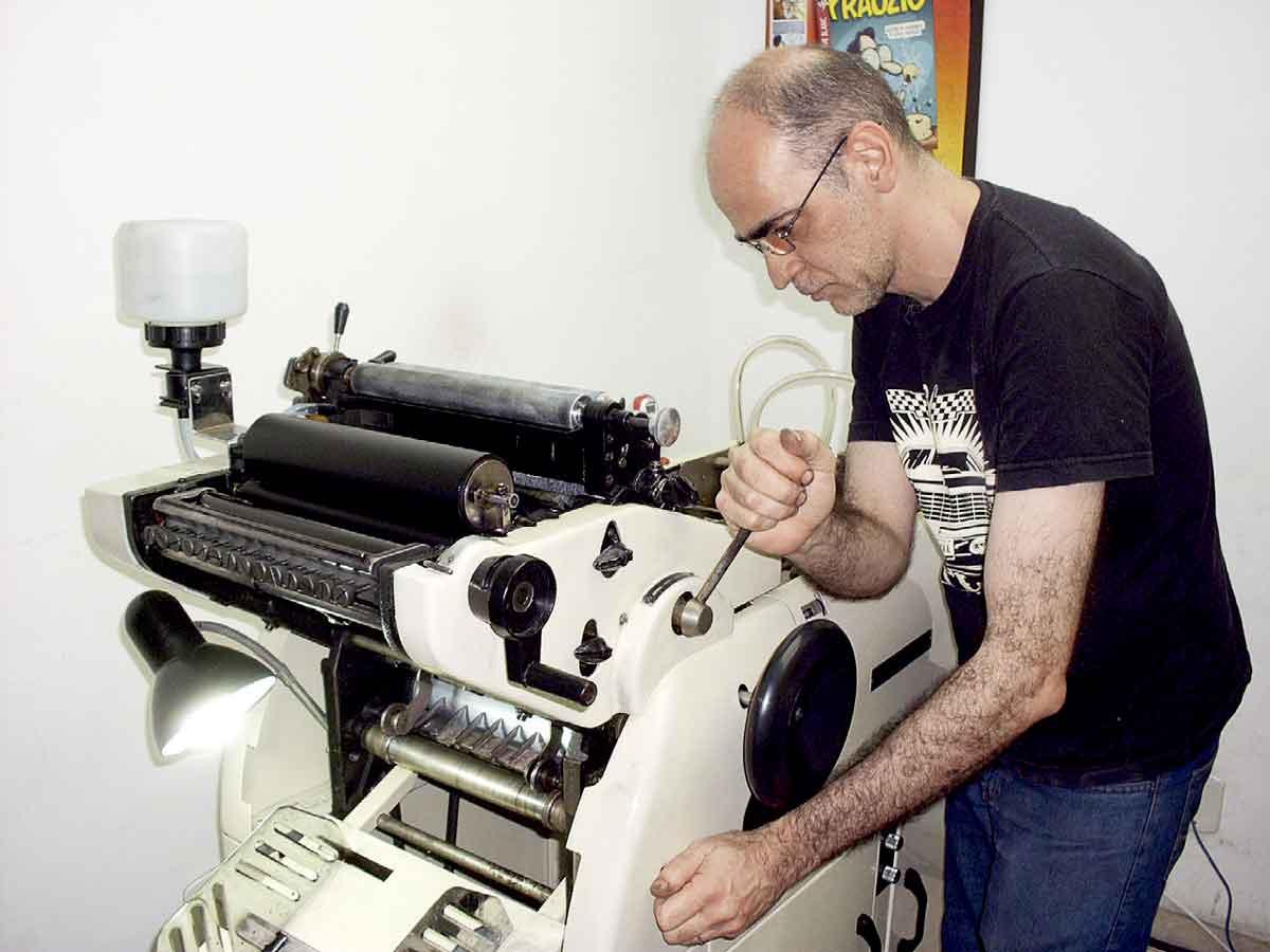 A aventura de Marcatti, lenda do quadrinho underground brasileiro, vira livro