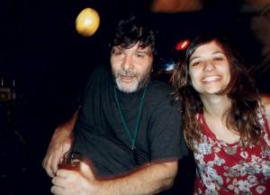 Em 2011, com a namorada, Silvia, na praça Roosevelt, em São Paulo
