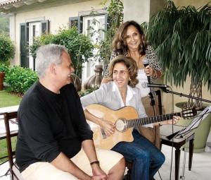 """Momento artista: em ensaio com a """"banda"""" beneficente, para o Cantores do Bem"""