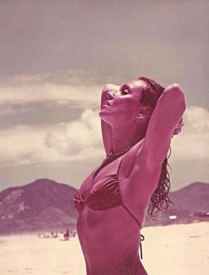 Na praia do Arpoador, na década de 70