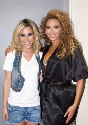 Ao lado de Beyoncé, nos bastidores do show de abertura em Florianópolis, em 2010