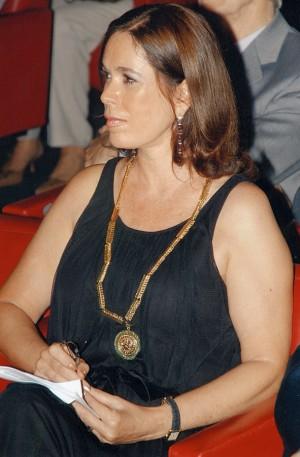 No dia da posse no Instituto Histórico e Geográfico Brasileiro, com o colar de sócia- titular