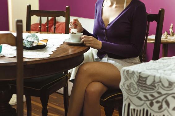 Andressa faz refeições de R$ 350, se hospeda nas suítes mais caras  de São Paulo e ainda recebe em euro. Ela paga a faculdade com o que  recebe de um cliente fixo