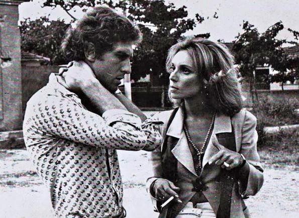 Com o ator Reynaldo Gonzaga em Os Noivos, de 1979