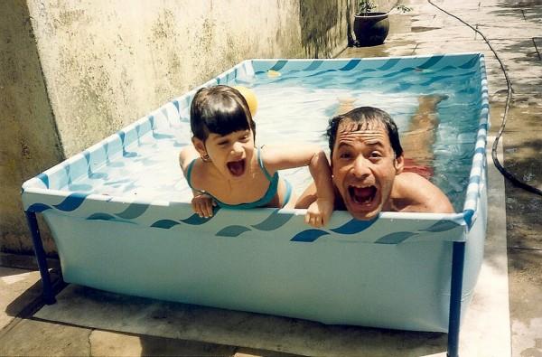 Aos 3 anos de idade, com o pai, Guel Arraes