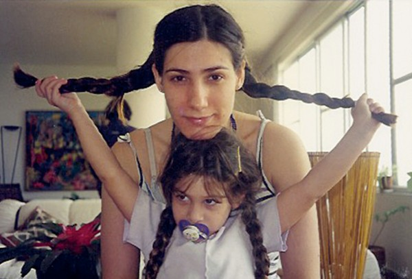 Aos 4, com a mãe, Virginia Cavendish