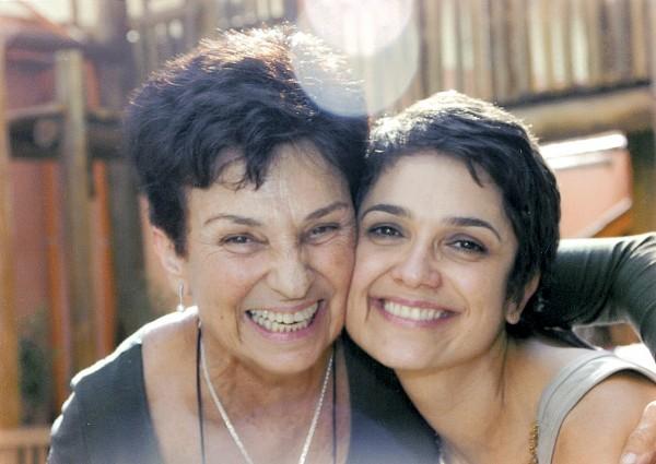Com a mãe, Débora