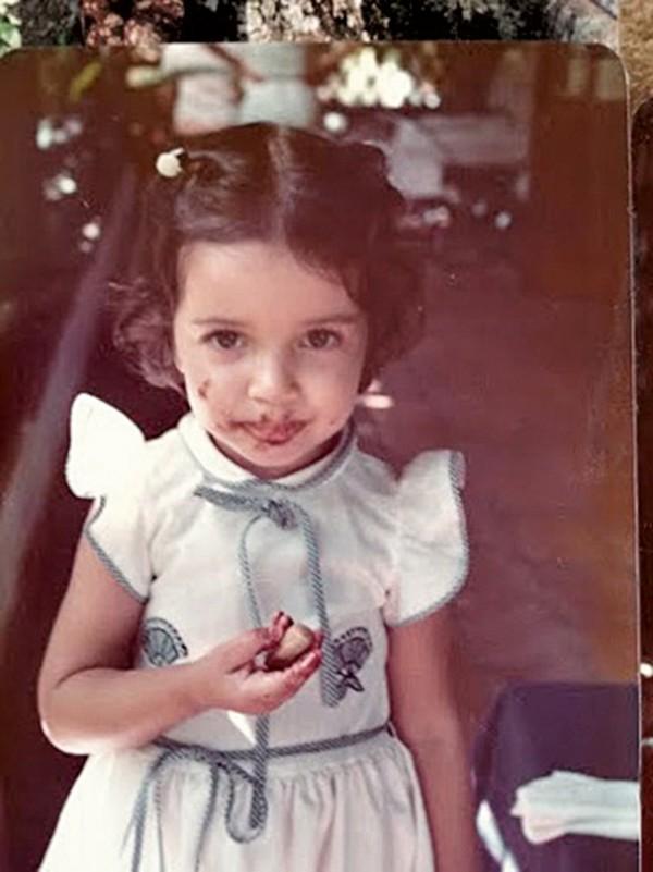 Ilona e seu único vício, o chocolate, em Nova Friburgo nos anos 80