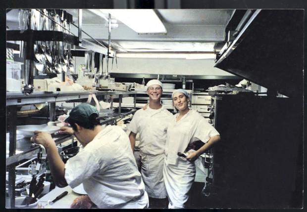 Na cozinha do Los Negros, restaurante de Francis Mallmann
