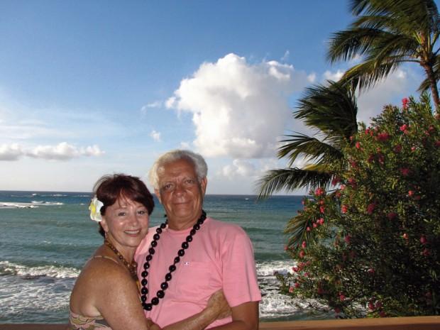 Julita e seu namorado, Zoliah, em Maui, no Havaí, em 2009