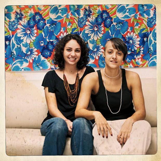 Gabriela Juns, 25 anos - Gabriela e a enteada, Alana, 22
