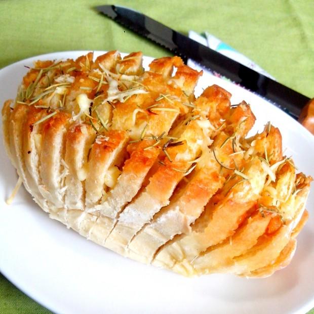 Pão à Hasselback
