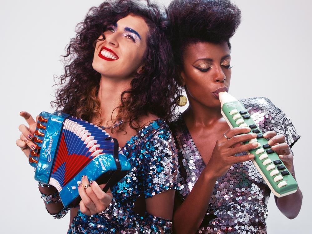 Thalma de Freitas e Cibelle na Tpm de fevereiro