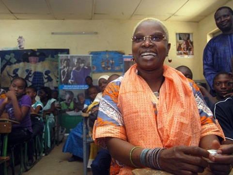 Campanha contra a mutilação genital feminina