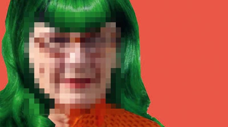 Velha de cabelo verde? Por que não?