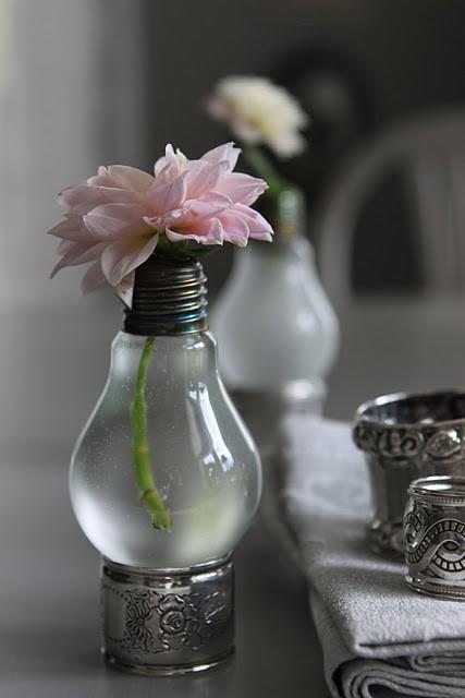 A ideia da lâmpada é simples e o resultado é lindo!