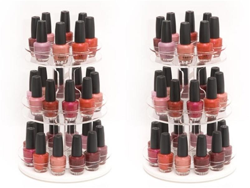 Organizadores de esmaltes como este podem ser comprados em lojas de cosméticos