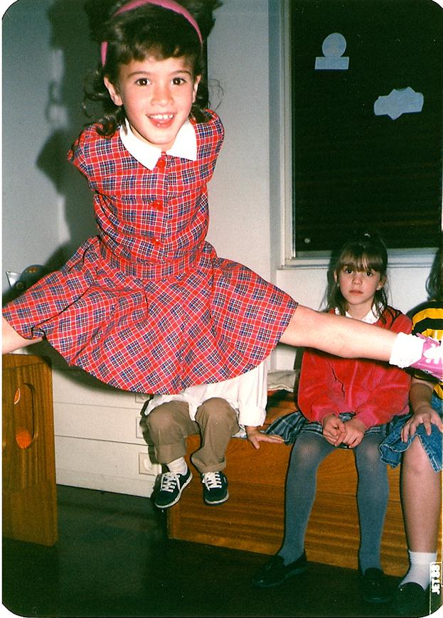 Ana aos oito anos