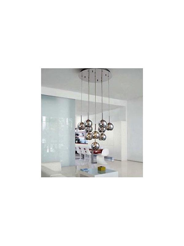 Pendente bola prata com várias alturas fabricado pela Mantra. À venda na E-Lustre