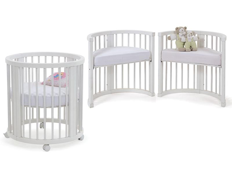 Berços modulares que acompanham o crescimento do bebê