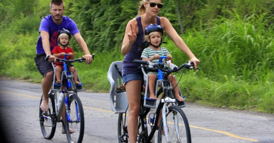 Casar, morar junto ou comprar uma bicicleta?