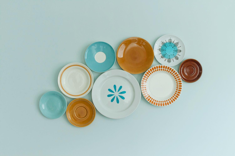 Conjunto de pratos decorativos no Etsy - R$ 432.84