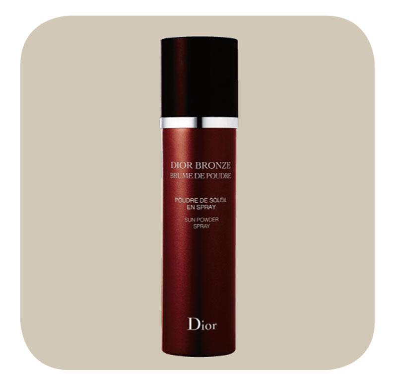 Preta, pretinha - Quando não estou bronzeada, passo o Spray Dior Bronzeante no rosto. Achei este produto nas coisas da minha mãe